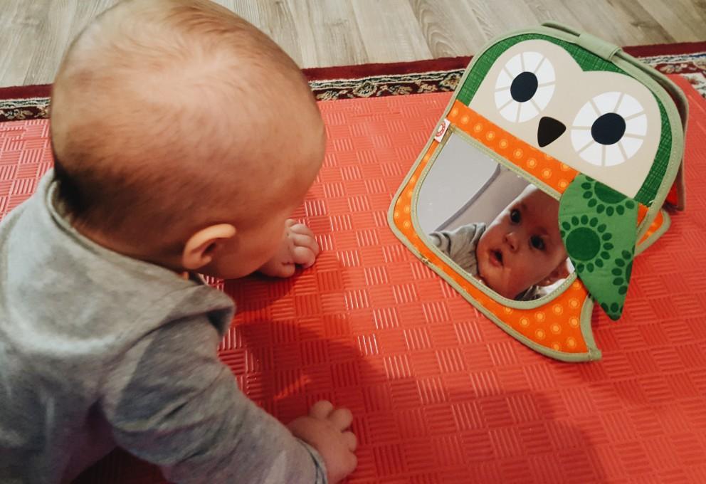 Višnjino kritično oko: Ogledalce, ogledalce …