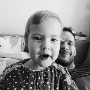Ko se dete samo naui selfieje delat